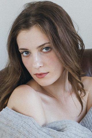 Zoe Levin 1